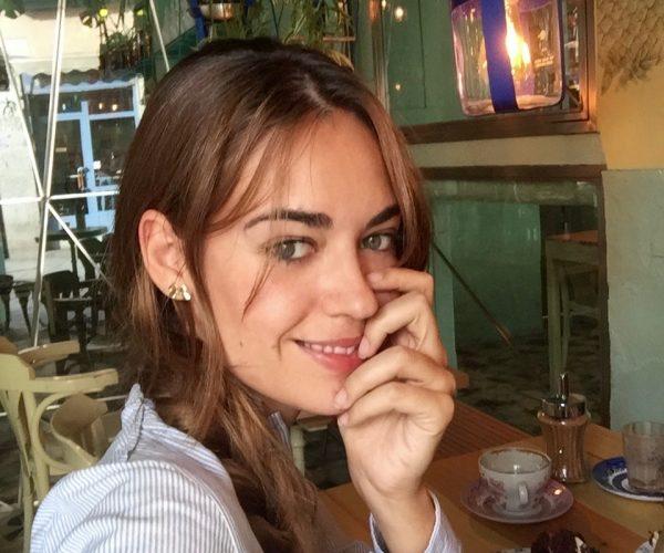 ¡El Sofá Rojo De Elena Se Va De Merendola!